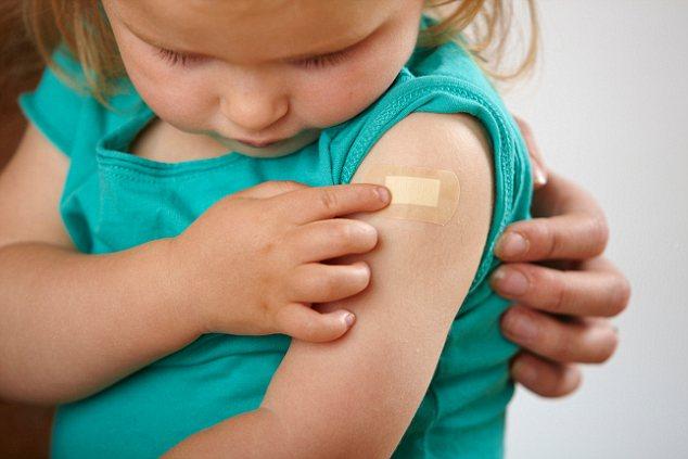 """Campaña de vacunación """"Ponte al día"""" llega a las poblaciones con acceso limitado a los servicios de salud"""